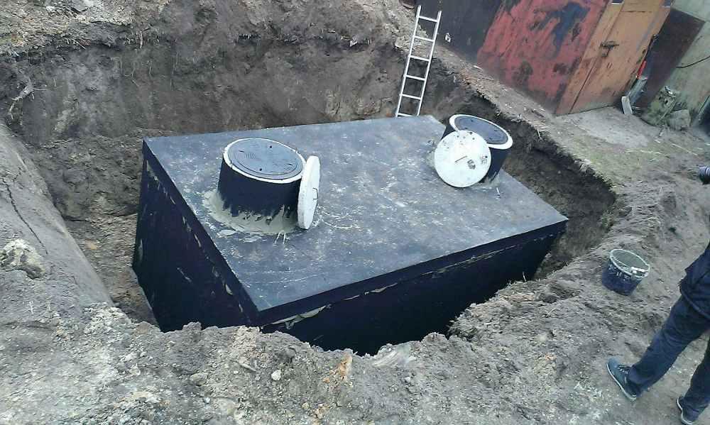 Betonový septik - montáž u rodinného domu