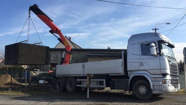 Nakládka betonové žumpy